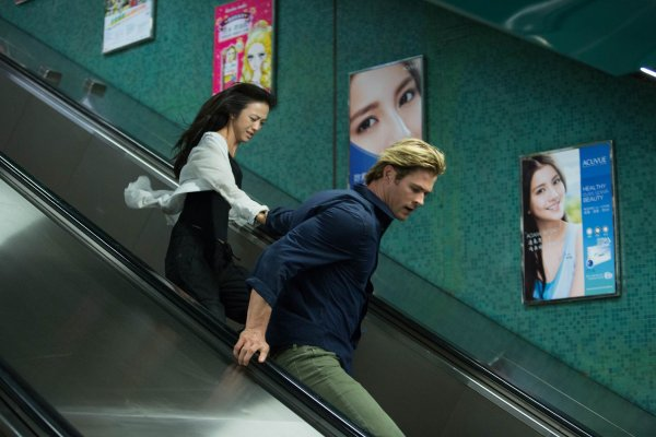 blackhat_hemsworth_mann_thriller