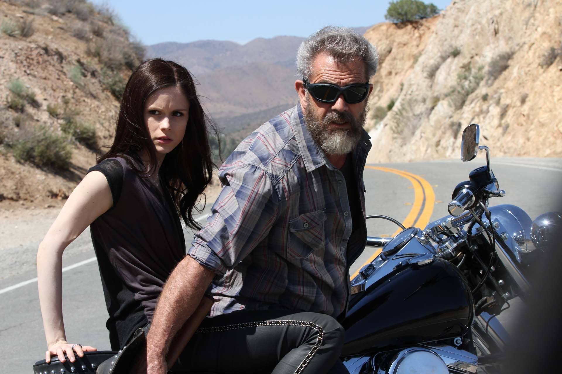 Review Blood Father
